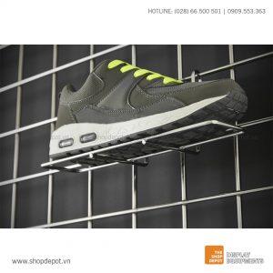 Kệ lưới đan trưng bày giầy dép cài khung lưới Gridwall